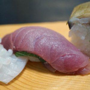 博多割烹 州二郎 季節の旬にぎり寿司5貫セット 寒ブリ